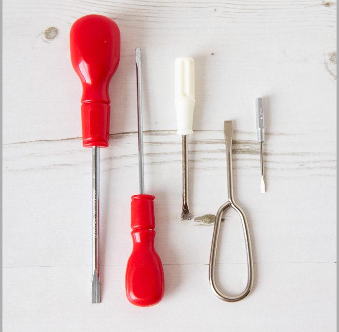 Cool Tools – Flat Head Screwdriver